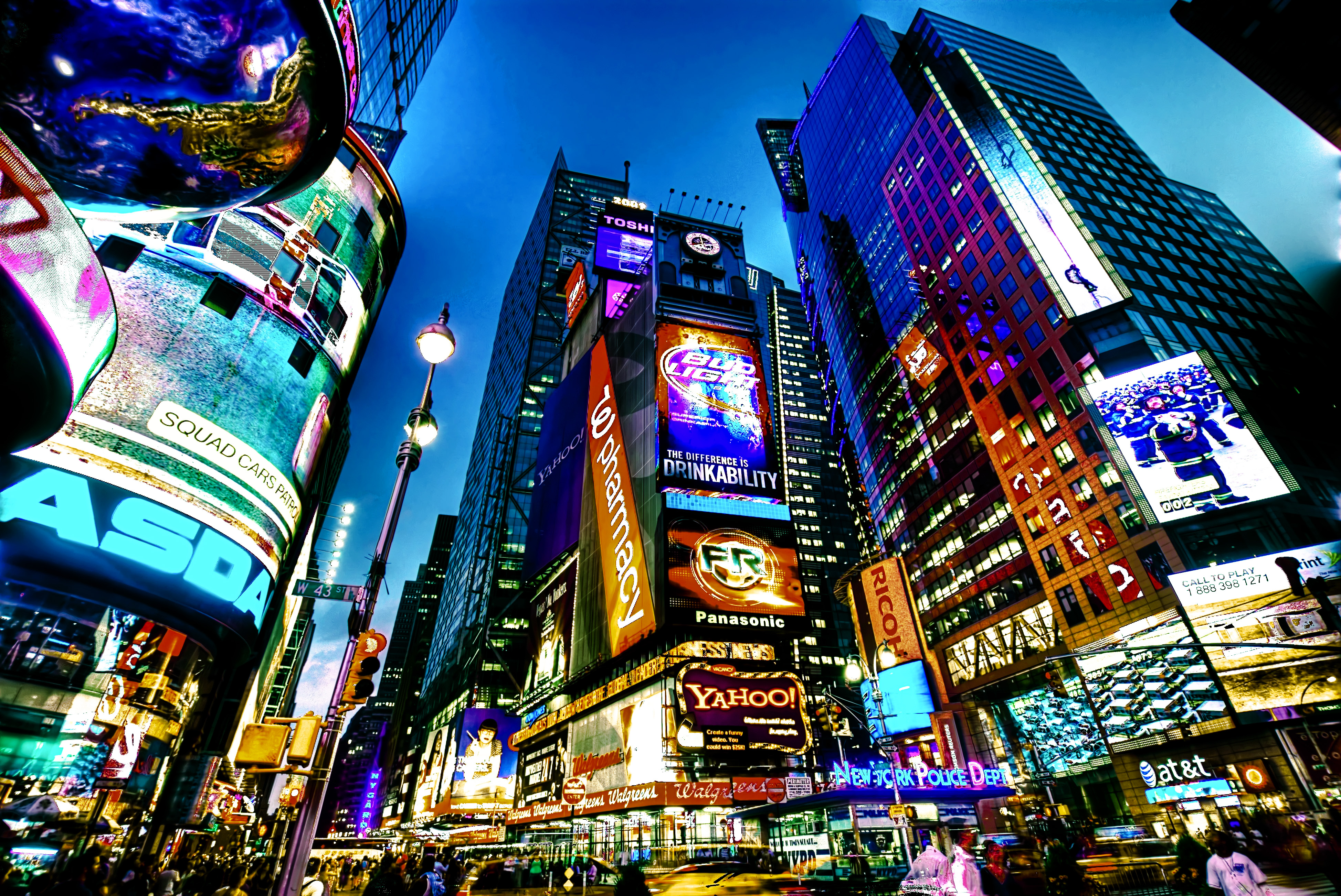 Times_Square,_New_York_City_(HDR) (1)